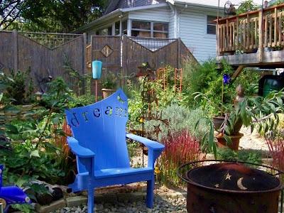 Use Of A Small Backyard.