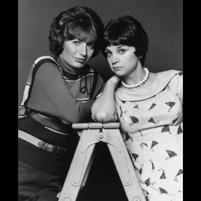 "sitcom ""Laverne & Shirley."