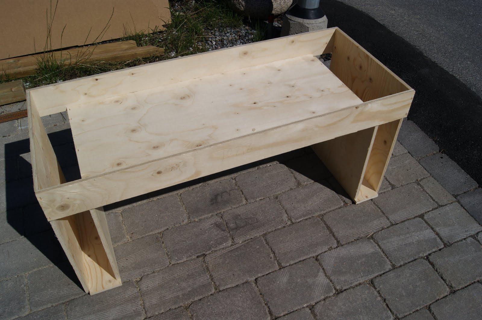 Inredning gjuta platta garage : Lundins nya hus: Betongbänkar