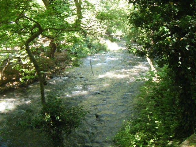 Και δεξιά από το ποτάμι θαυμάσαμε τα