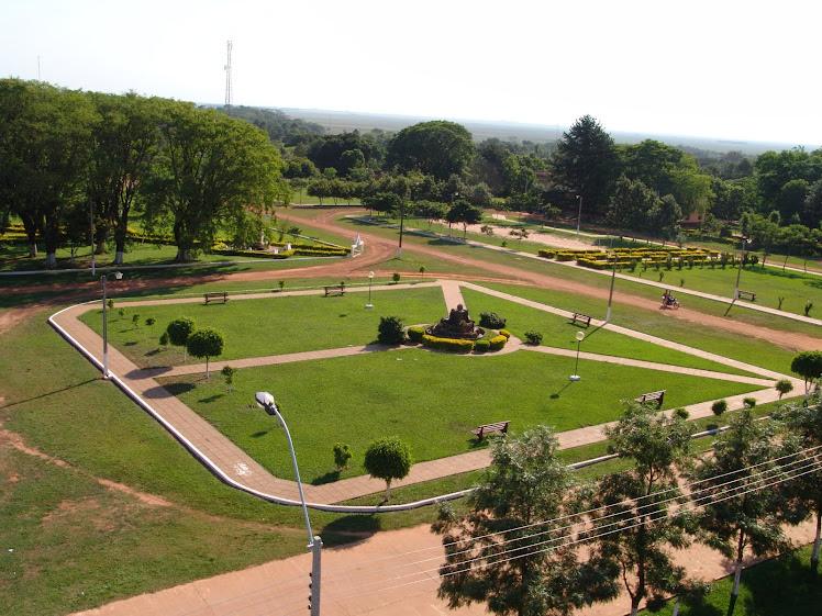 Vista de una de la plazas desde el campanario de la Parroquia.