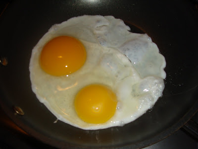 FOOD FASCINATION: Eggs: Duck vs. Chicken