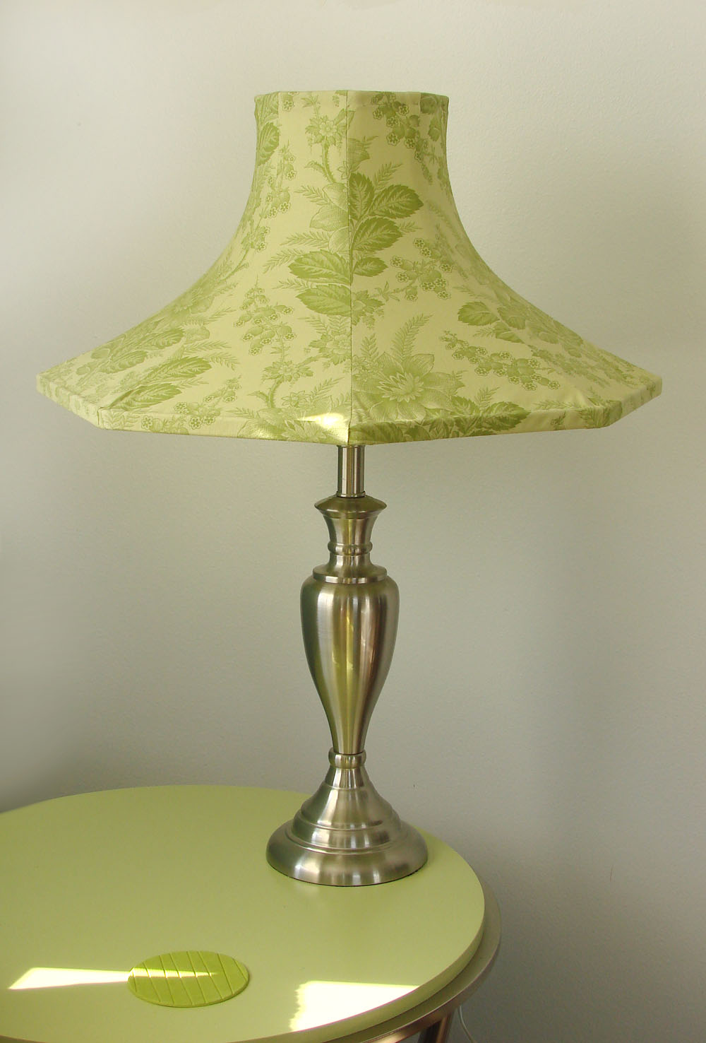 Funky Lamp Shades : Get scatty funky lamp shade