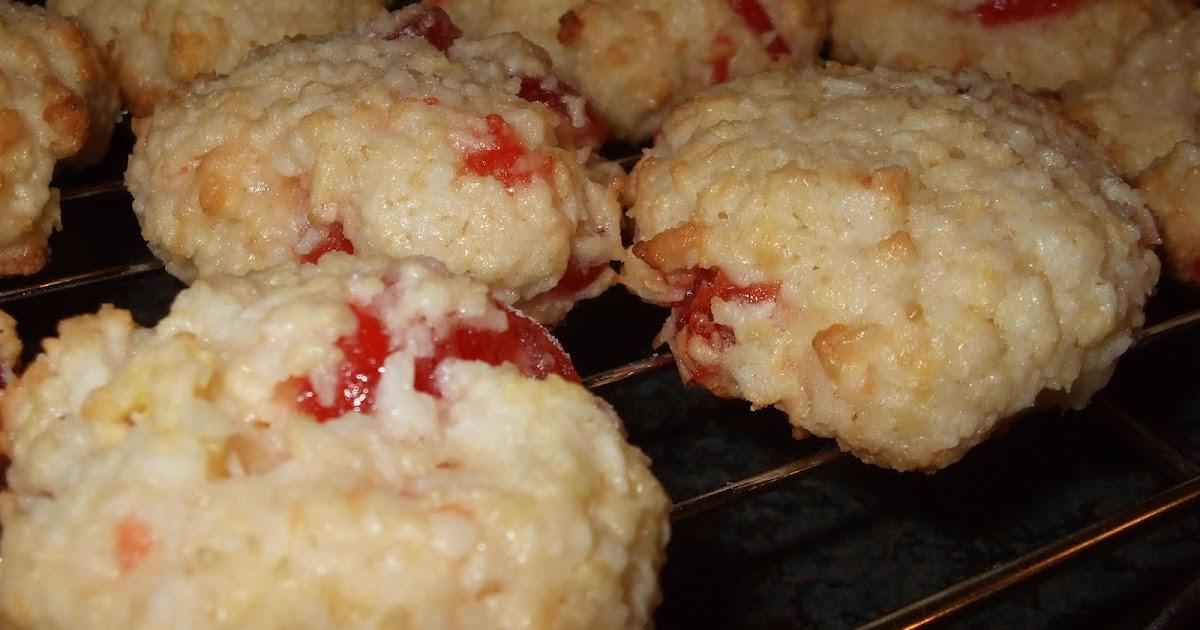 Dans les casseroles de gg macarons cerises et amandes de - Vers dans les cerises ...