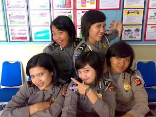 Polisi Wanita 2013