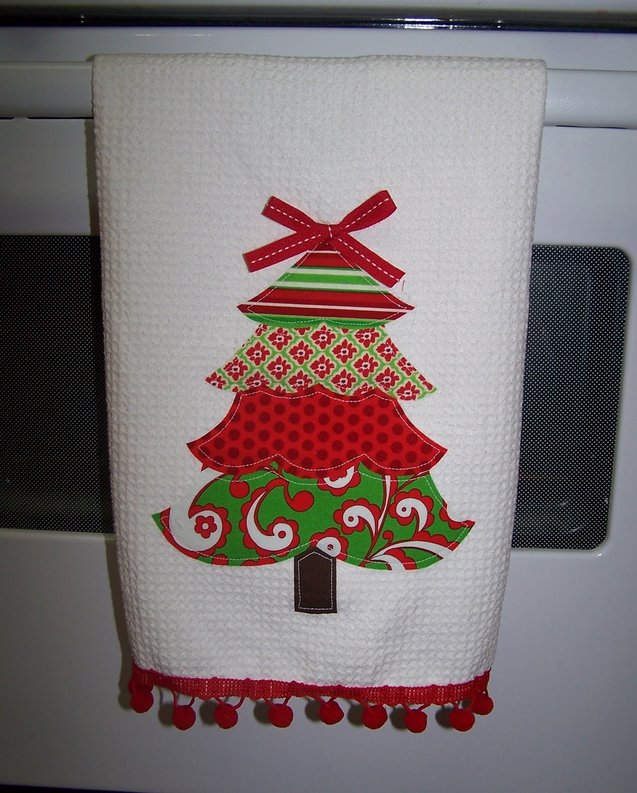 froufroubritches Applique Christmas Towel