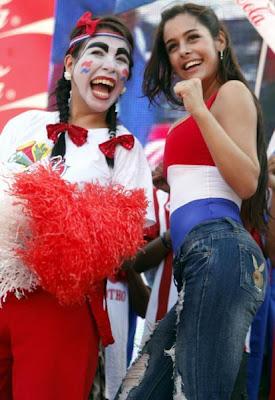 Larissa Riquelme disfrutando el fútbol