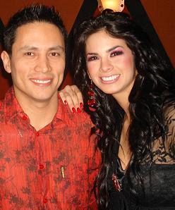 Sully Sáenz junto a Renzo Costa