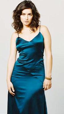 Ana de la Reguera con hermoso vestido azul turqueza
