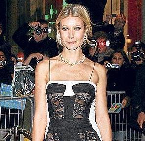 Gwyneth Paltrow posando para las cámaras