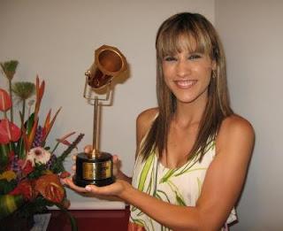 María Pía Copello con uno de sus tantos premios