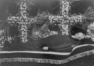 Enrique Meiggs en su velatorio