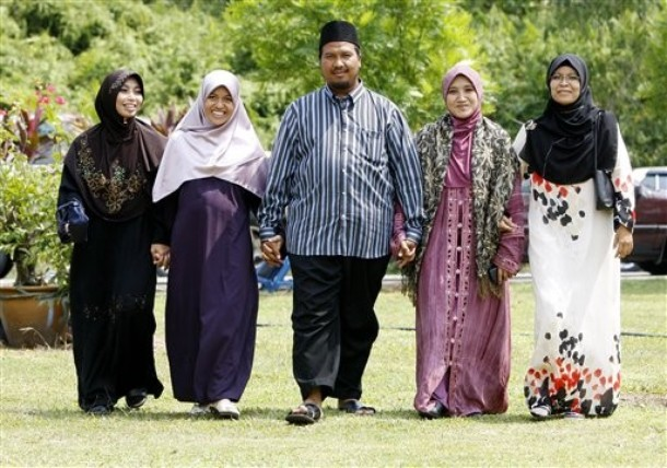 The Advantages And Disadvantages of POLYGAMOUS People.