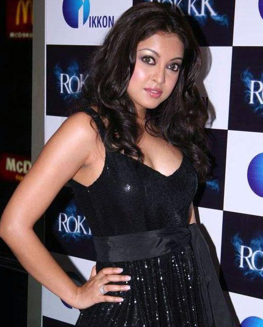 tanushree dutta black hot images