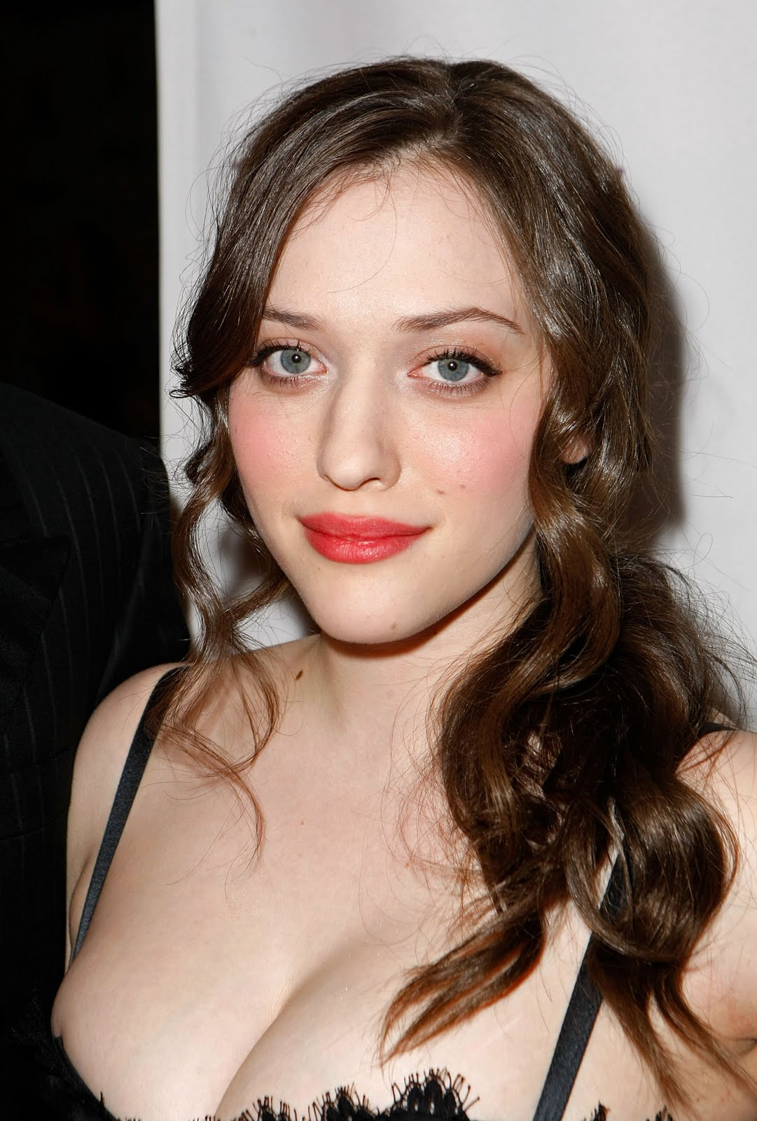 Kat Dennings 1146660 (Lelita Casta,Blanchard Ryan,Joan Severance and more)