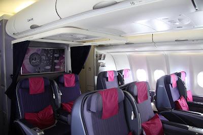 Business Flight Inside Thai Tg A333 Royal Silk Cabin Photos