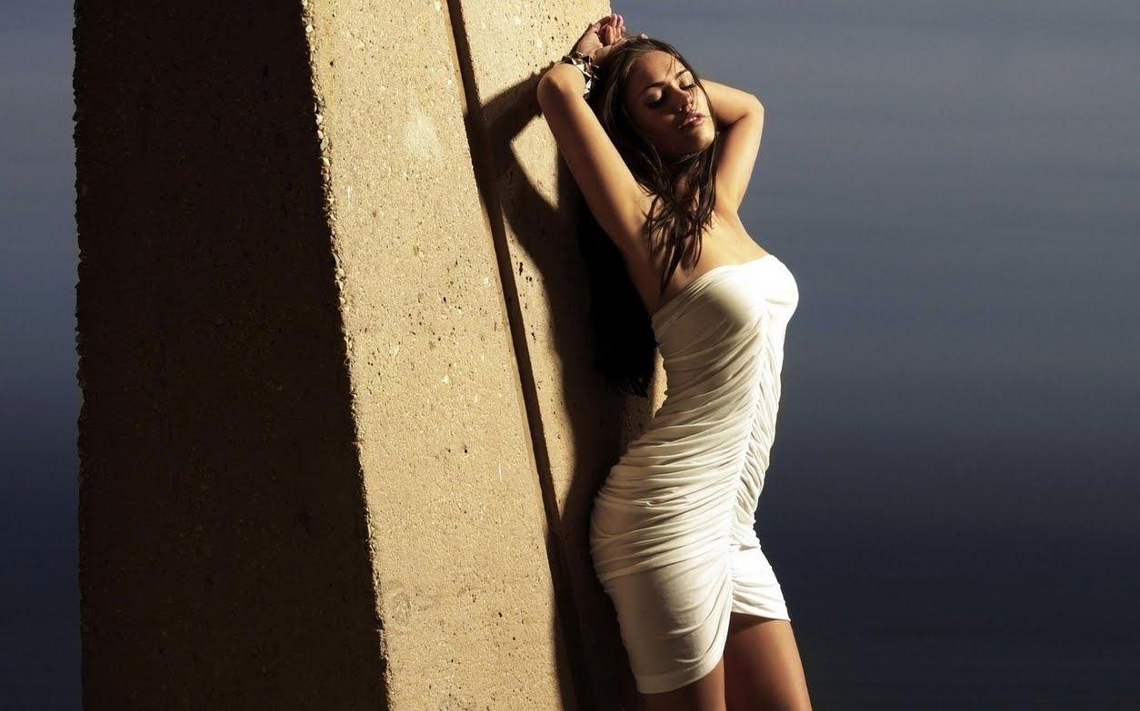 http://4.bp.blogspot.com/_3_-A45YgzHc/TQAwsv0L2YI/AAAAAAAAAJ8/QAjlk7RiWXs/s1600/megan-megan-fox-wallpapers-1280x800.jpg