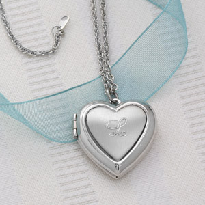 personalized locket on valentine's day