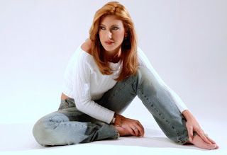 http://4.bp.blogspot.com/_3bbLz2EMEX0/Rx-lp8776HI/AAAAAAAACTc/abOrlnOwctY/s320/Carmen+jeans+4.jpg