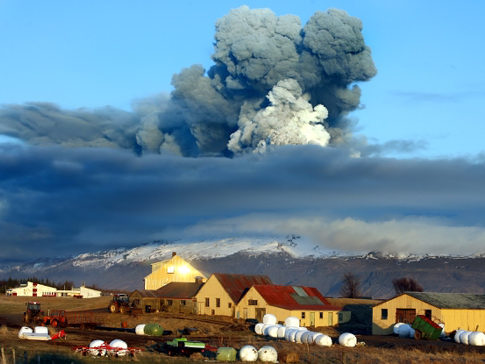 map of iceland volcanoes. The volcano eruption in