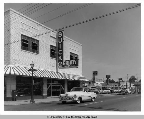 getimageThe+Grady+Buick+automobile+dealership+on+St.+Louis+Street.+1954.jpg