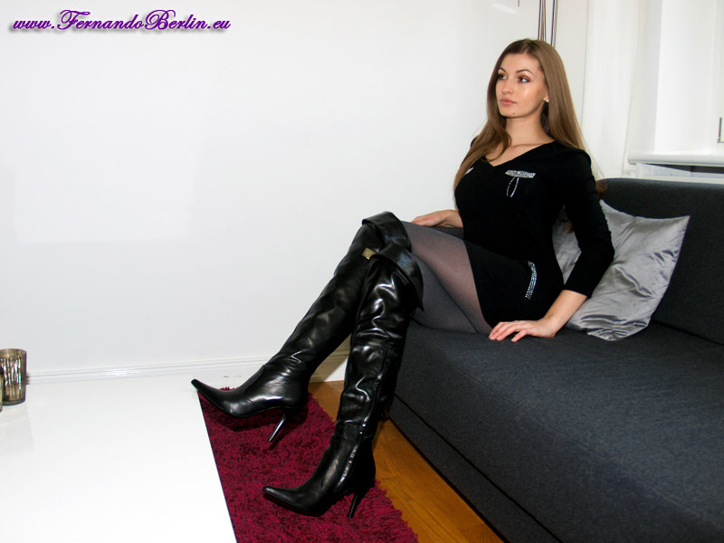 Ladies In Thigh High Leather Boots