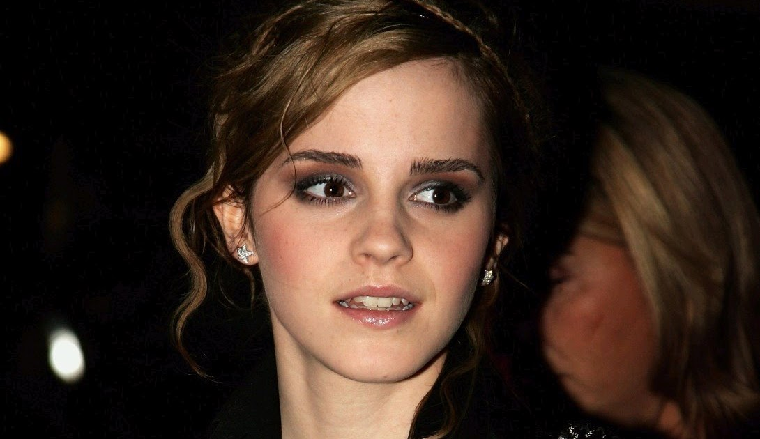 Ladies in leather gloves and boots - Leather Leather Leather Blog Emma Watson Leather Jacket