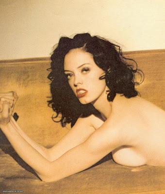 Nacktfotos von Rose McGowan im Internet - Mediamass
