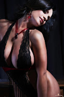 Качественные фото модели-брюнетки Denise Milani