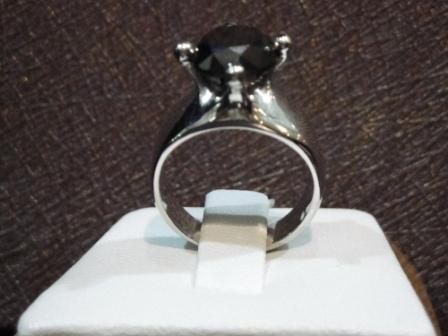 Cincin Permata Berlian Hitam