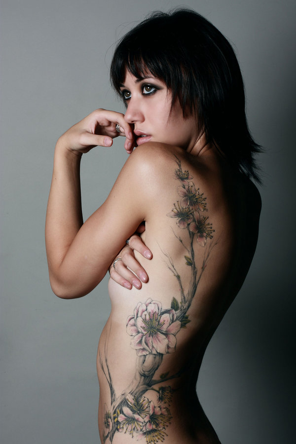 Women+tattoos+on+side+of+torso