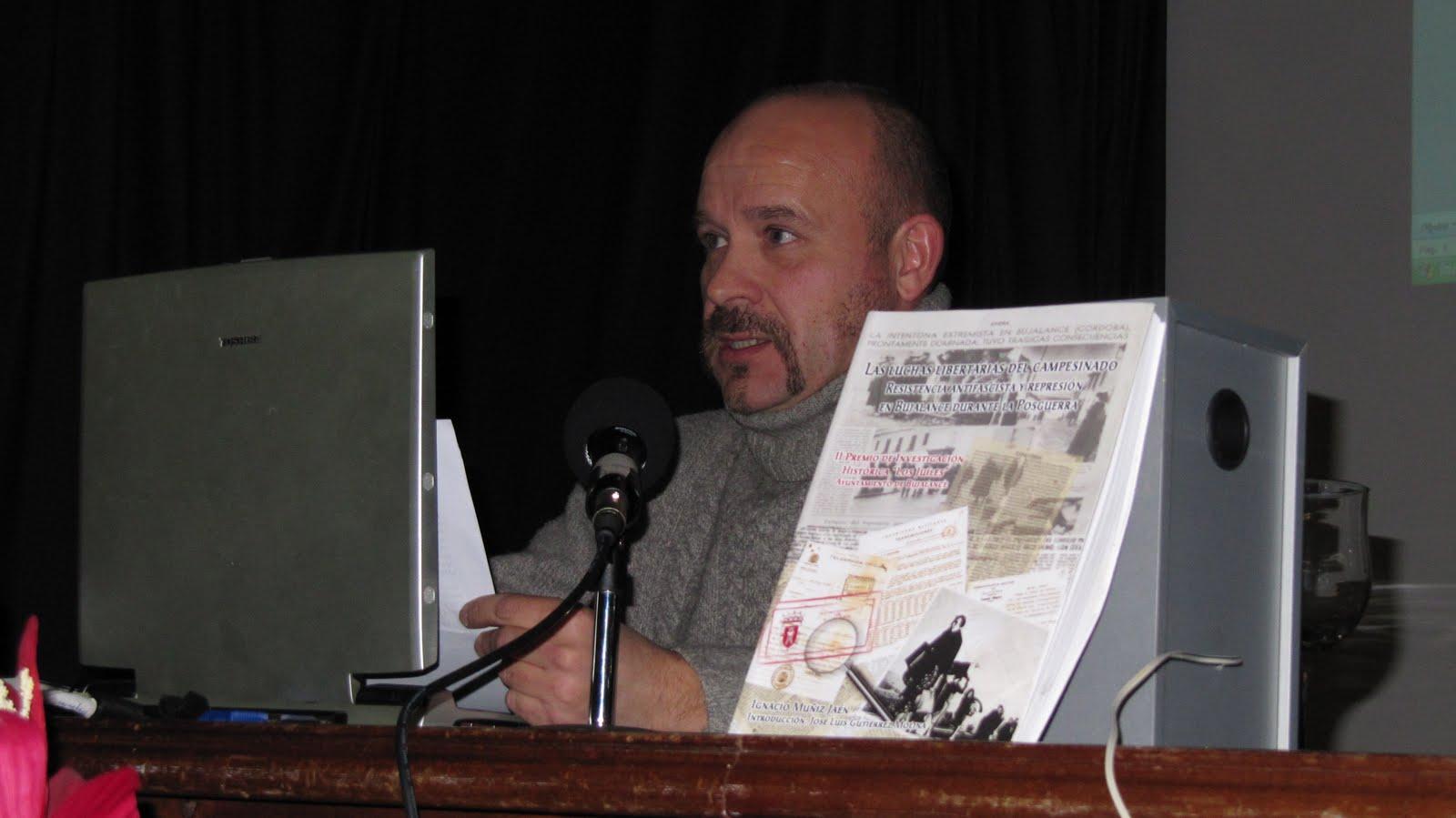 Onda menc a radio ignacio mu iz presenta en la casa de la cultura su libro sobre las luchas - Casa de cultura ignacio aldecoa ...