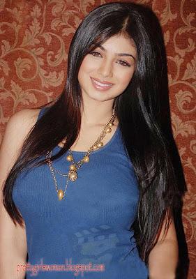 Ayesha Takia sexy smile