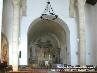 Arte torreherberos existe un rom nico andaluz for Interior iglesia romanica