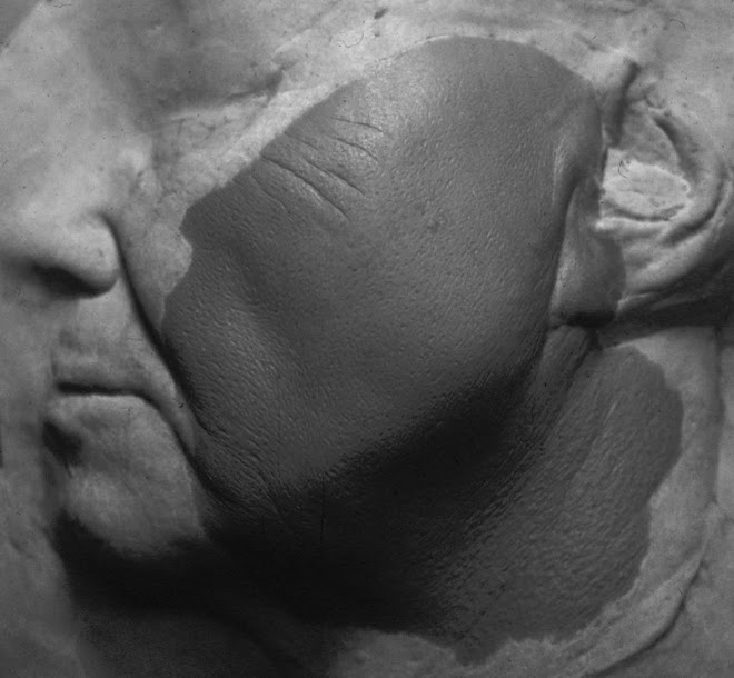 Jon Voight 'jaw-pop' effects sculpt 'Anaconda'