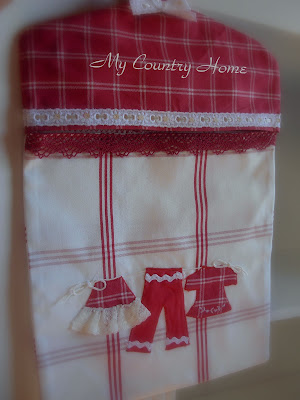 My country home portamollette by apple for Porta sacchetti ikea