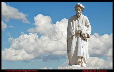 مجسمه سعدی در شیراز