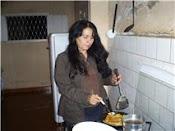 Haciendo tortilla yeratore, tras la farra de la presentación del libro de Mabel Pedrozo