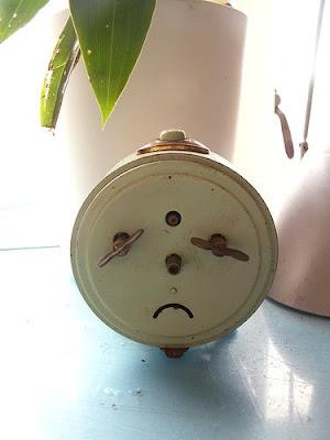 Pareidolias graciosas Reloj+triste