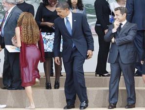 http://4.bp.blogspot.com/_3u1pfLK48C0/SltQtlMM4SI/AAAAAAAAACQ/-Y_bToxb5E0/s320/Obama.jpg