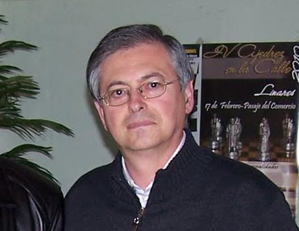 José Luís Córdoba Delgado. Profesor del IES y Presidente del Circulo Filatélico de Linares