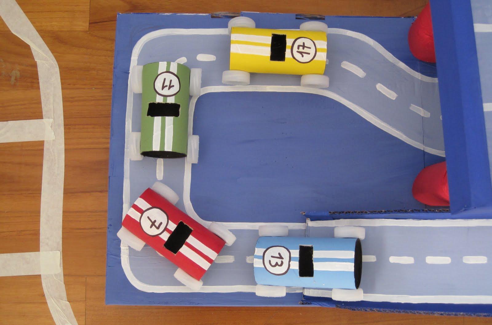 manumanie-kids: Parcheggio macchine di cartone