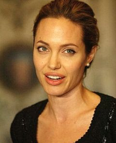 Angelina Jolie without make-up picture