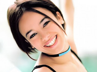 Alizee Jacotey 1024x768 wallpapers