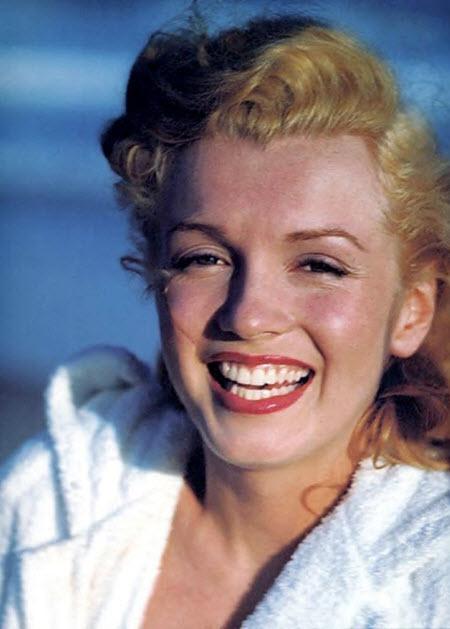 Marilyn Monroe En La Playa 1948