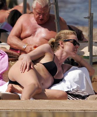 Eva Herzigova sexy bikini