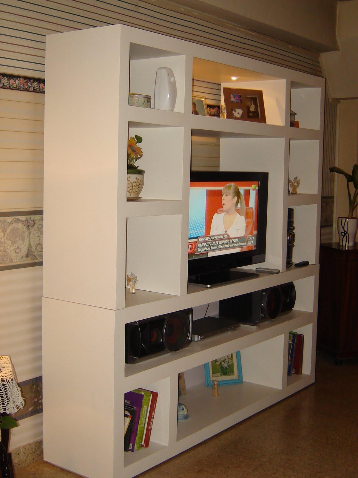 Dise os racks mueble para tv un dise o minimalista for Mueble tv 3 metros