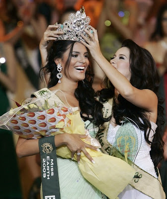 miss earth 2009 winner brazil larissa ramos