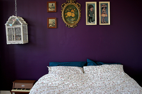 House Desaign: Rooms and Art dipped in Purple