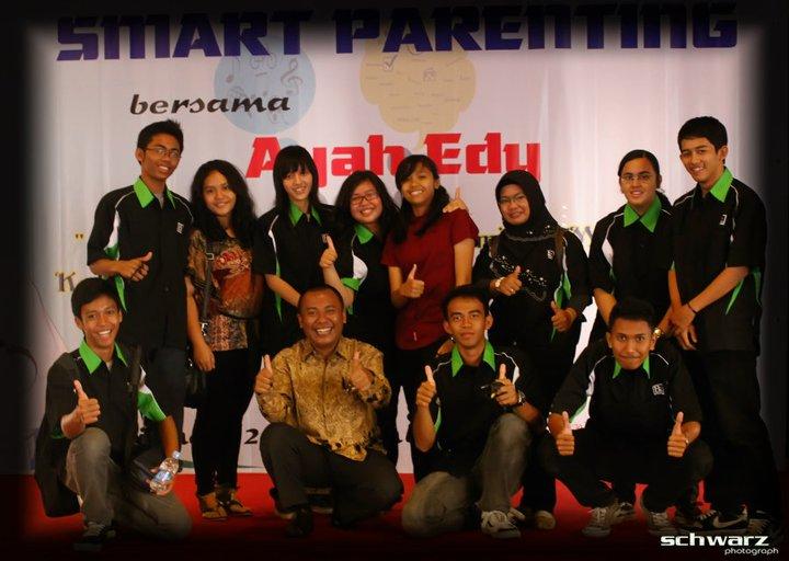 Anak-anak SMA di Pontianak Menyelenggarakan program Parenting, Langka, Dahsyat !!!!